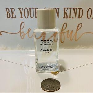Coco Mademoiselle Velvet Body Oil spray